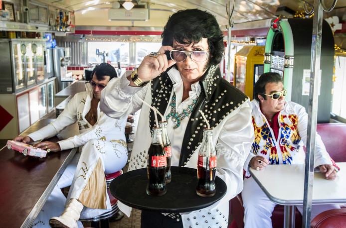 Frank heeft veertien of vijftien Elvis-outfits. Dit is het tweedelige Cisco Kid-pak. Elvis droeg het rond 1971. Frank liet het in Amerika namaken.