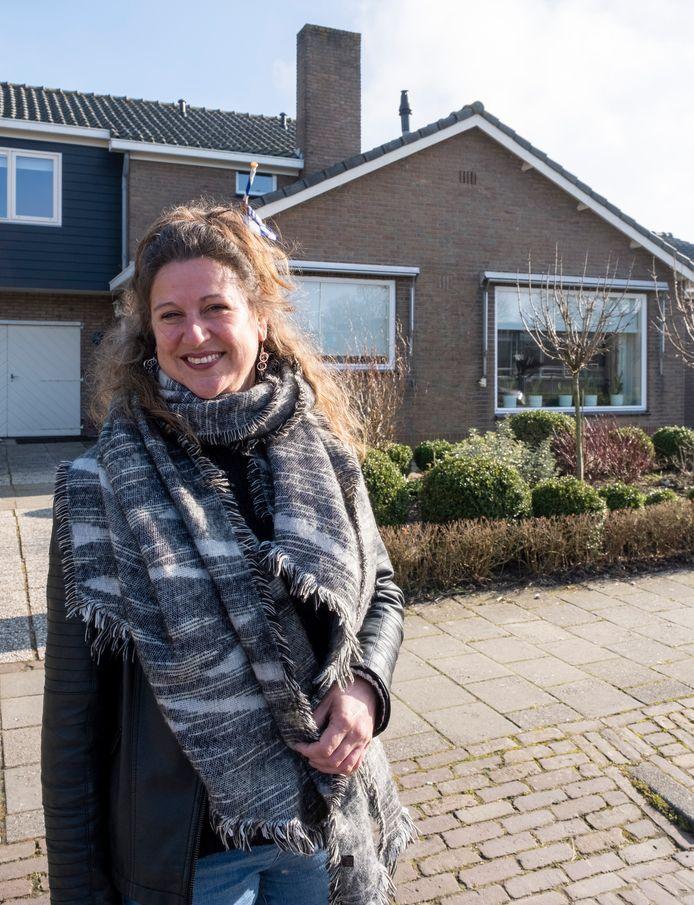 Manuela Franke-Ova is weer even thuis in de Torenstraat.