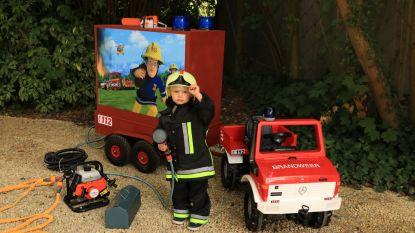 Pompier bouwt brandweerwagen voor zoontje (3) als verjaardagscadeau