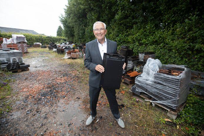 Gerrit Zwitserloot, dakdekker, met pensioen.