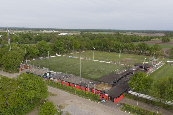 Voetbalverenigingen als DETO huren velden bij de gemeente.