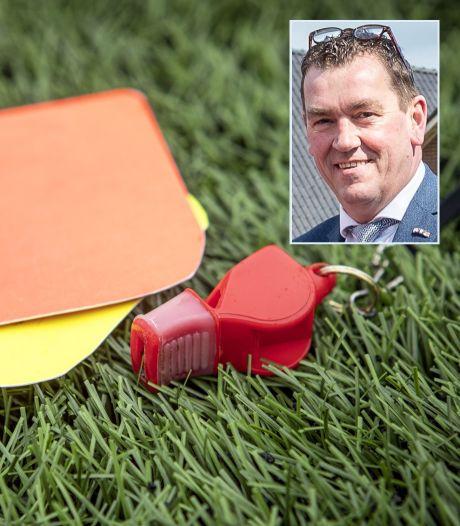 Liegende wethouder Scholten dubbel onder vuur in Epe. 'Twee keer geel is rood'