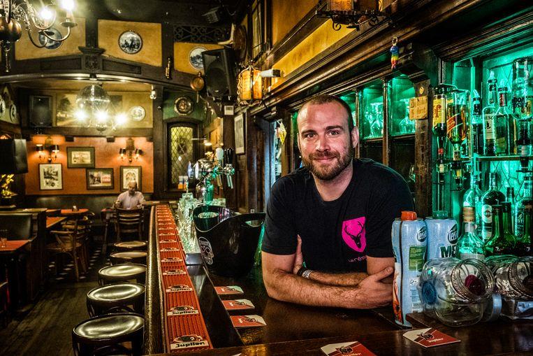 Ronny Bekaert baat in Brussel de homobar La Réserve uit. Beeld Tim Dirven