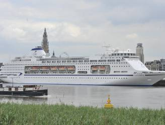 """""""Yogasnuivers tegen cruiseschepen"""": Antwerpse activisten kiezen voor protest met yogamatjes"""