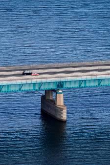 Meer dan een uur in de file bij Haringvlietbrug? 'We zijn een beetje boos'
