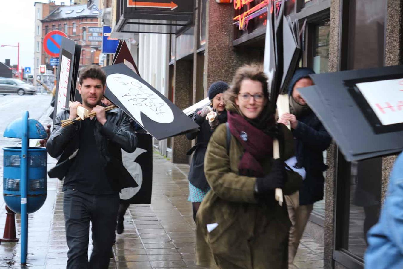 Le collectif, Femmes de Mars, se prépare à la journée du 8 mars à Charleroi