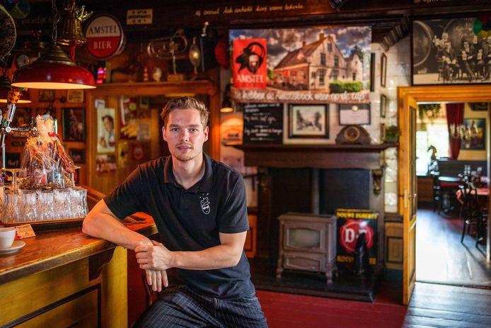 Chris Westerbeek, eigenaar van De Kastelein, het café waar één van de kinderen van de Ruinerwoldse spookboerderij aanklopte.