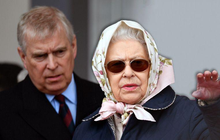 De Queen zal altijd voor de monarchie kiezen, niet voor haar zoon.  Beeld EPA
