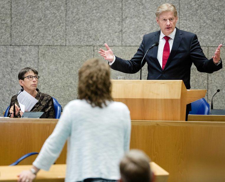 Juni 2015: staatssecretaris Martin van Rijn van VWS aan het woord in het Kamerdebat over aanhoudende betalingsproblemen met het pgb, het persoonsgebonden budget. Beeld Bart Maat / ANP
