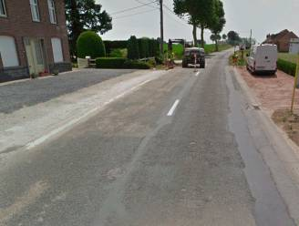 Twee weken werk aan herstelling wegdek Anzegemsesteenweg en Kruishoutemseweg tussen Kruisem en Wortegem-Petegem