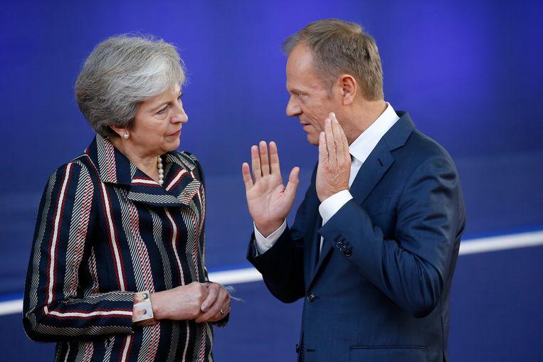 De Britse premier  Theresa May en Europees president Donald Tusk. Beeld EPA