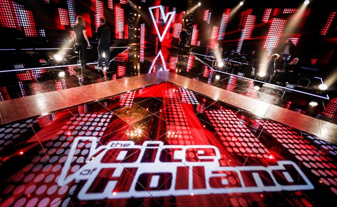 The Voice of Holland is het paradepaardje van RTL 4. John de Mol zou zijn format graag naar SBS 6 halen.