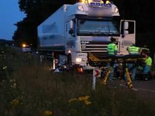 Motorrijder gewond bij frontale botsing tegen vrachtwagen