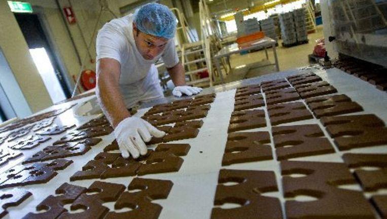 Van alle Nederlandse chocoladeletters is maar 15 procent met duurzaam geproduceerde cacao gemaakt. Foto ANP Beeld