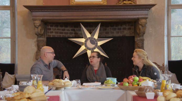 Loek Peters, Francis van Broekhuizen en Samantha Steenwijk aan het ontbijt