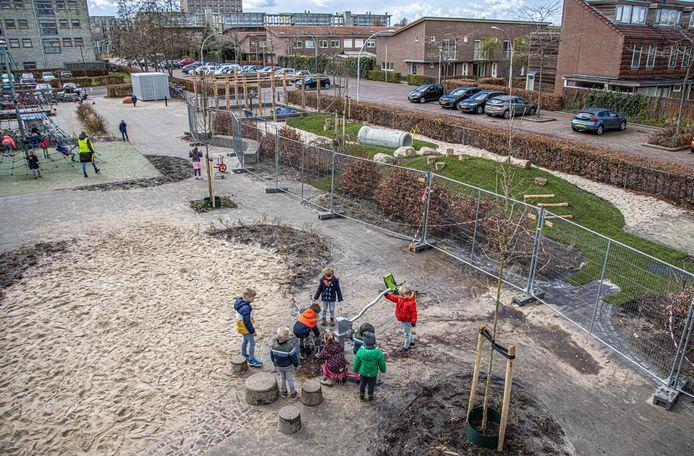 De Vlieger hoopt de groene tuin nog dit schooljaar af te krijgen.