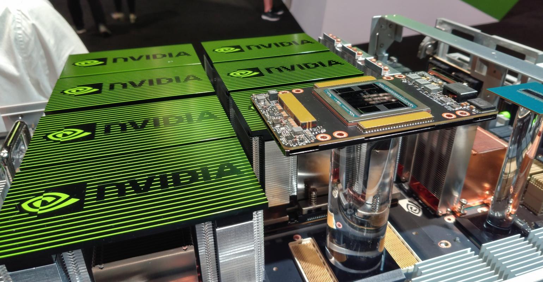 De NVIDIA DGX-2™ kan 2 biljard berekeningen per seconde maken