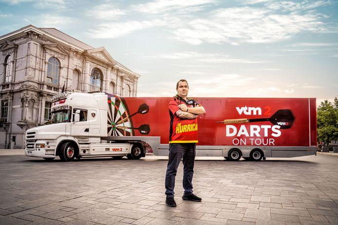 Zelf een '180' of 'bullseye' gooien? VTM 2 brengt darts tot bij de Vlaming tijdens 'Darts On Tour'.