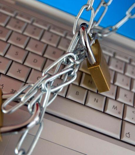 Hacker steelt 800 emailadressen van uitkeringsorganisatie Lekstroom