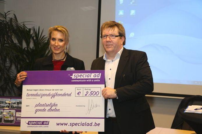 Warriors Against Cancer mocht een cheque ontvangen van 2.500 euro.