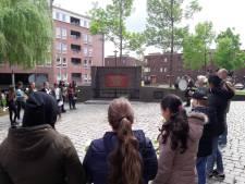 Leerlingen groep 8 van Kindcentrum Rivierenwijk herdenken Twentol-drama