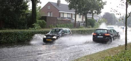Deel Nederland kampte met zware onweersbuien, die 'in moordend tempo' ontstonden