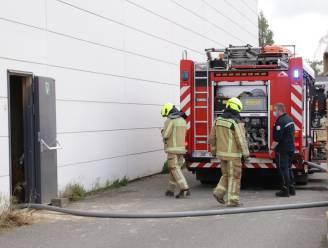 Brandweer rukt voor derde keer op week tijd uit naar houtverwerkingsbedrijf voor smeulbrand