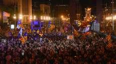 fotoreeks over Duizenden Catalanen op straat voor onafhankelijkheid