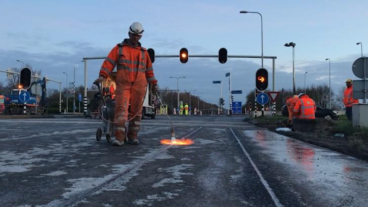 Werk aan de N256: 2700 ton asfalt uitgefreesd