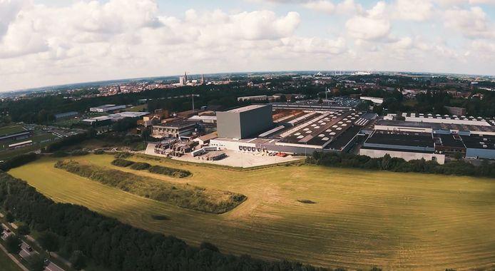 Er is niet naast te kijken: het nieuwe hoogbouwmagazijn van de firma Proferro.