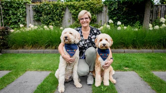 Erna Nijeboer uit Hengelo ontwikkelt landelijke cursus voor onderwijs: 'Schoolhond is een hype, en dat is zorgwekkend'