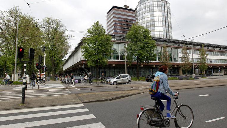 Het ongeluk vond plaats ter hoogte van de Nederlandsche Bank aan de kant van de Stadhouderskade.. Beeld anp