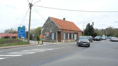 Kruispunt aan Mollentstraat deels afgesloten