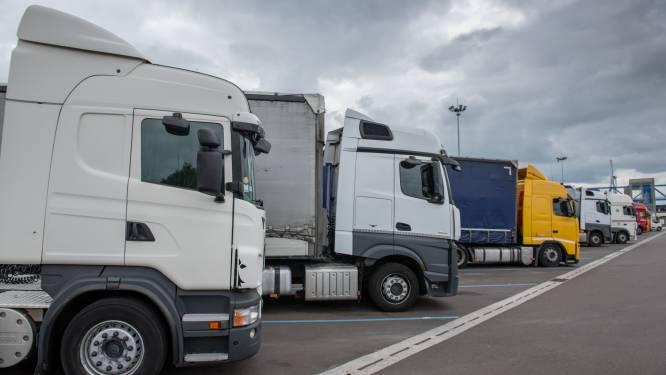 Acht migranten, waaronder vier kinderen, aangetroffen in vrachtwagen in Le Havre