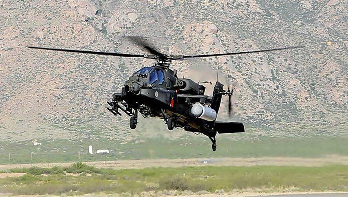 Produit par Boeing, l'Apache AH-64 est un hélicoptère conçu spécialement pour les missions militaires.