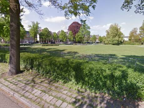 Drie jongens in park Zwolle beroofd van telefoons, horloges en kleding