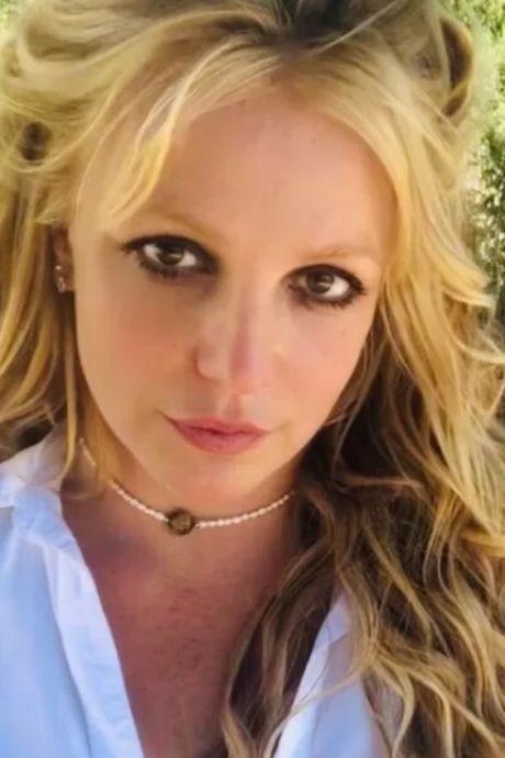 """""""Je ne peux pas faire valoir mes droits"""": l'ex-manager de Britney Spears partage des messages vocaux de la star"""