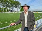 Corné Koenraadt kreeg lintje voor werk bij SC Welberg: 'Zoals je ziet is het ons allemaal goed gelukt'