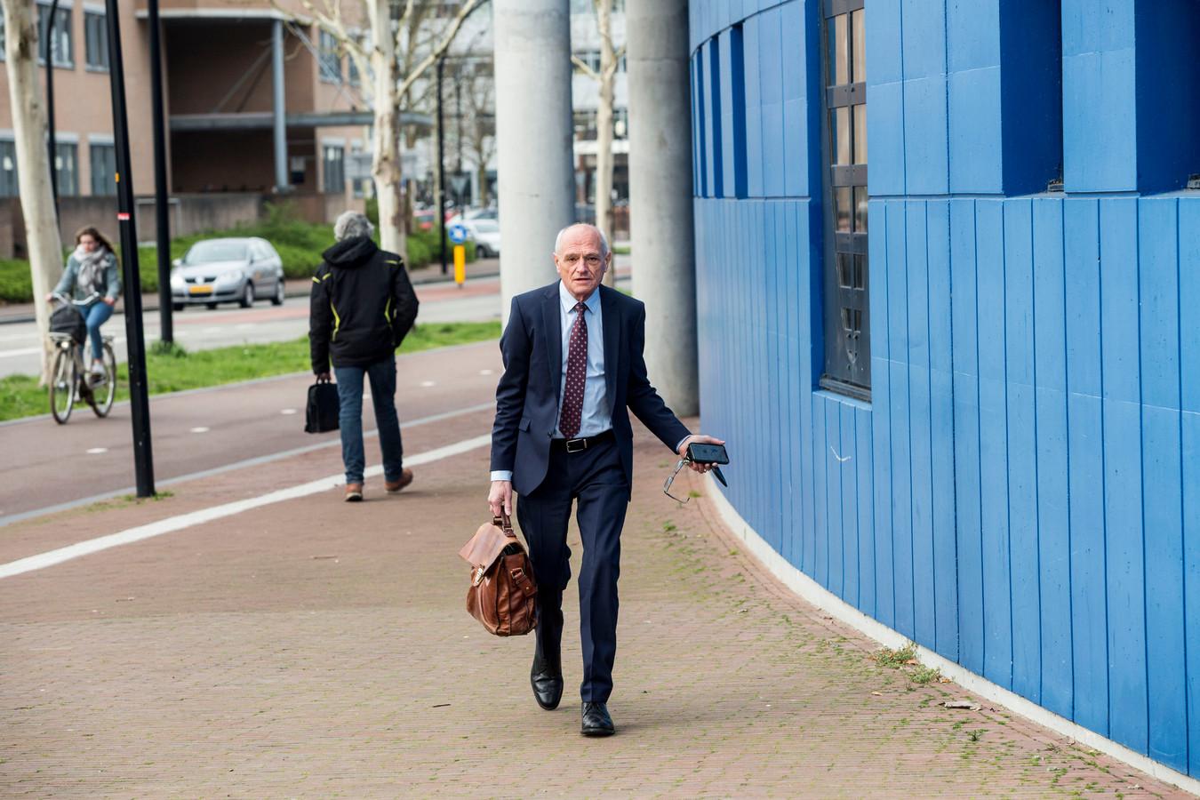 Gerard Sanderink arriveert bij de rechtbank Almelo. De Twentse ict-miljonair won donderdag voor het eerst in lange tijd een rechtszaak.