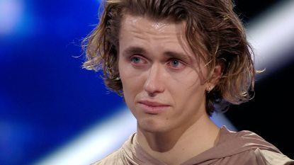 VIDEO. Ian Thomas scoort de eerste 10 in 'Dancing With The Stars' en kan zijn emoties niet bedwingen