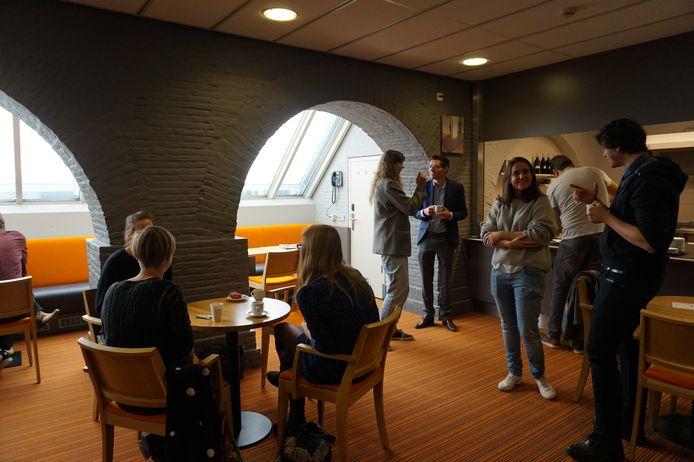 Napraten bij het mini-symposium Opstandig Brabant van de Erfgoedbènde