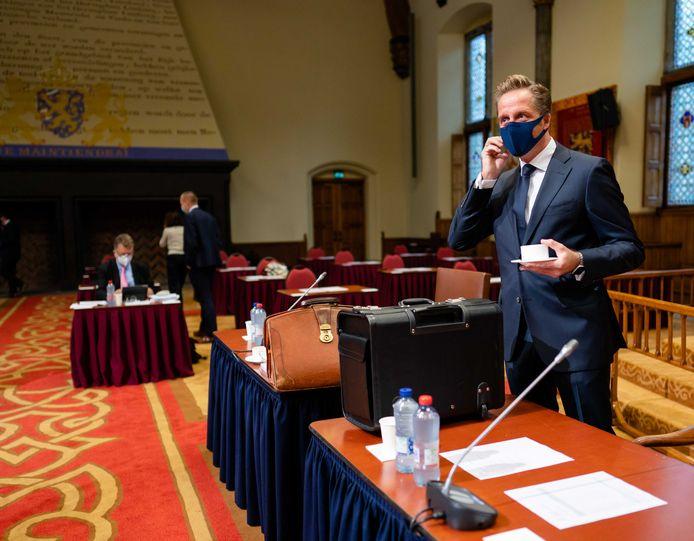 Minister Hugo de Jonge van Volksgezondheid, Welzijn en Sport (CDA) voorafgaand aan het debat in de Eerste Kamer over de coronawet.
