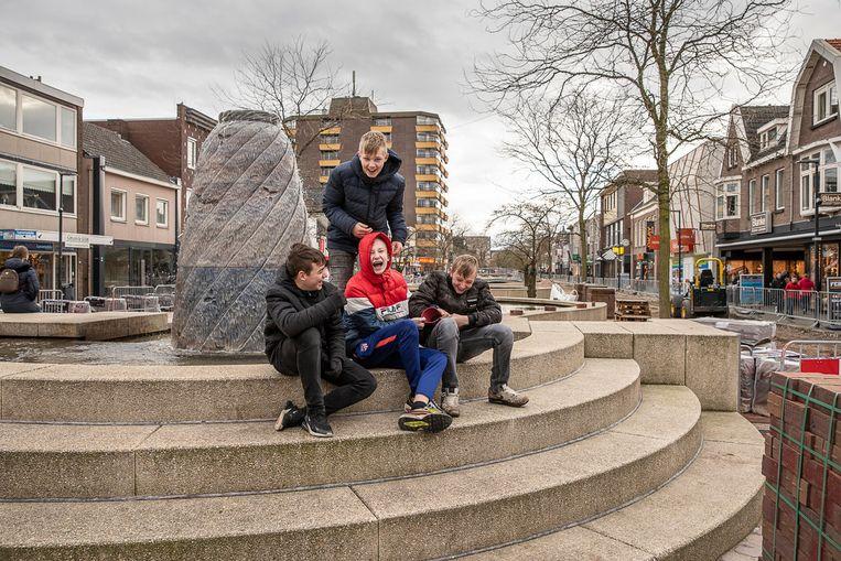 Het centrum van Hoogeveen: de opknapbeurt moet misschien ook maar stoppen. Beeld Harry Cock