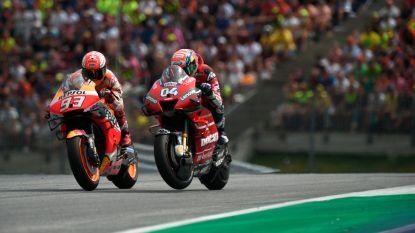 Dovizioso pakt zege in Oostenrijk na beklijvend duel met WK-leider Marquez
