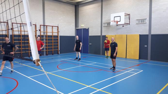 Een potje volleybal voor de broodnodige ontspanning.