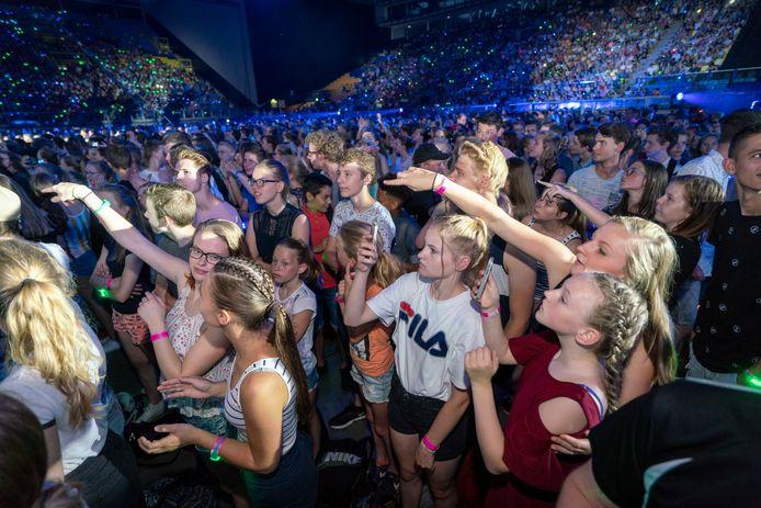 Meer dan 20.000 jongeren vulden zaterdag GelreDome, waar de 44ste editie van de EO-Jongerendag werd gehouden.