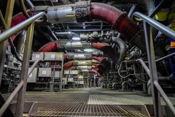 Interieur van de Hemwegcentrale. De kolencentrale aan de Amsterdamse Hemweg zou aanvankelijk pas in 2024 sluiten, maar het kabinet besloot de deadline te vervroegen.