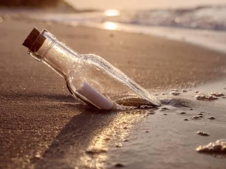Meisje vindt op Hawaï fles met briefje dat 37 jaar geleden vanuit Japan was verstuurd