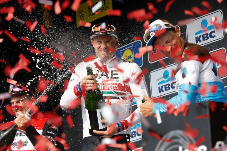 Naesen (r) en Degenkolb op het podium van Gent-Wevelgem met winnaar Kristoff.