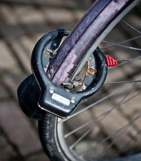 Middelburgers op heterdaad betrapt bij doorzagen van fietsslot